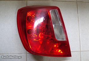 Farolim Trás ESQ.Chevrolet Nubira ´07