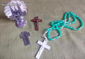 Colecção de artigos religiosos - cruz, terço...
