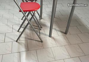 Mesa e cadeiras para cozinha ou copa