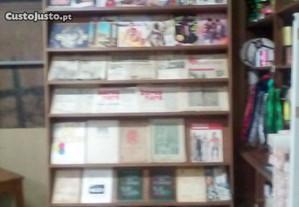 Expositor alto para Livros/Revistas/Jornais