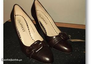 Sapatos de senhora castanho escuro nº36-Novos