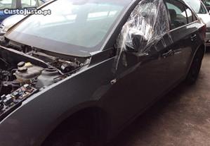 Chevrolet Cruze às peças