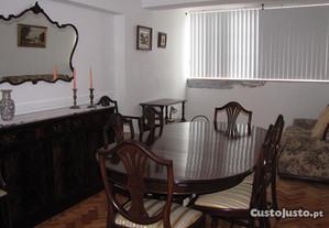 Aparador,mesa, 6 cadeiras,2 cadeirões