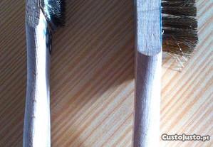 jogo de escovas, madeira /metal,novas