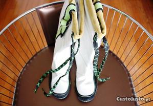 Botas de mulher brancas e verdes made in spain t35