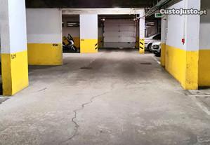 Garagem no Monte da Caparica na Rua das Quintas