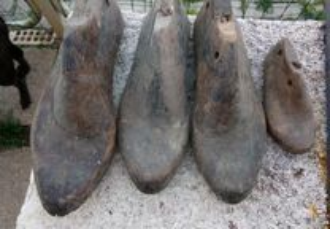 Formas antigas em madeira para calçado