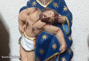 Imagem Pietá em madeira de castanho com pintura