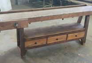Banco carpinteiro maciço com gavetas