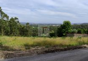 Lindo terreno com vistas panorâmicas