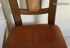 Cadeiras com palhinha natural