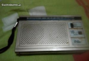 Rádio a pilhas