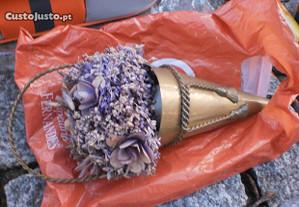 Cone Flores Secas