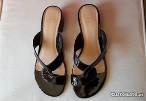 Sandálias Senhora - impecáveis