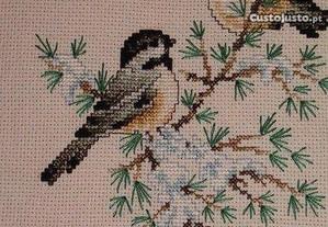 Quadros de pássaros em ponto cruz