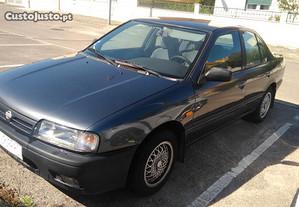 Nissan Primera 1600 LX - 90