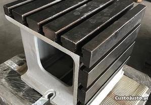 Mesa de aperto em aço