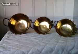 Conjunto de 3 tachos de cobre/latão antigos