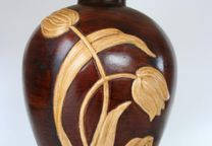 Candeeiro de mesa em cerâmica pintada
