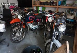 Varias motas antigas em fase final de restauro