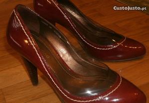 Sapatos originais da marca