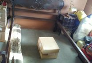 cama de casal Antiga em madeira mogno