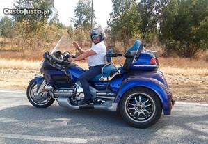 Goldwing Trike 1800 com atrelado