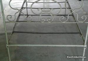 cama em ferro