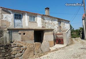 Casa para restauro em Adobispo, Penedono