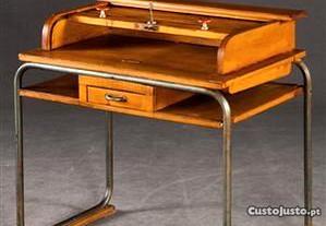 Escrivaninha em metal e madeira