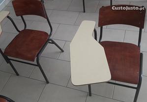 Cadeiras com palmatória para sala de formação