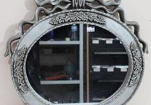 Espelho em Madeira Entalhada