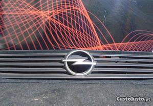 Grelha Opel