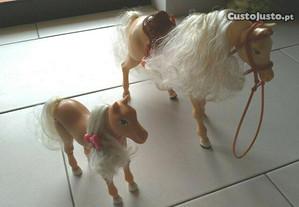 Barbie Mattel Cheval trotteur et poulain