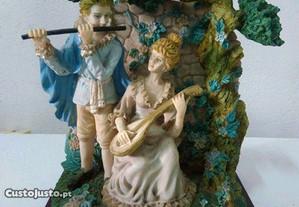 Casal em cerâmica