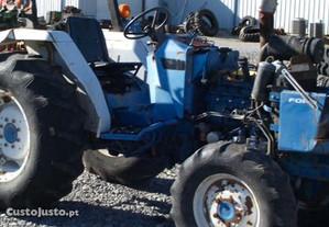Tractor -Ford1920-Shibaura S435 para peças.