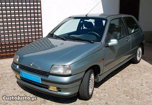 Renault Clio Baccara - 92