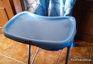 Cadeira de refeiçao