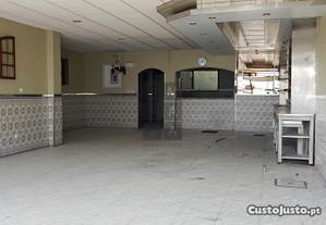 Loja Em Oliveira De Azeméis, Santiago De Riba-Ul,