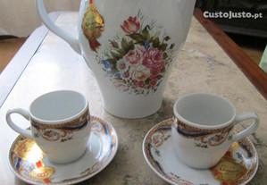 Cafeteira e chávenas Limoges Pintadas á mão, novas