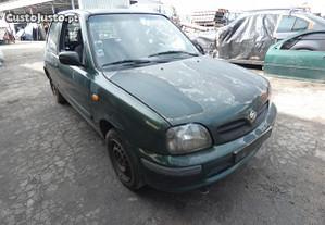 Nissan Micra de 2001 para peças