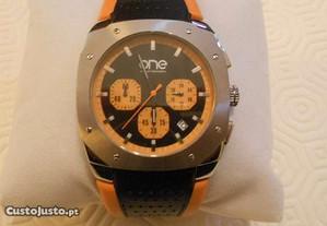 Relógio ONE Chronograph Novo