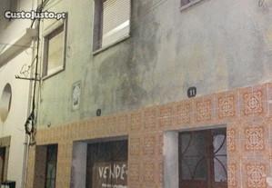 PENAMACOR - Edifício c/pisos + Loja