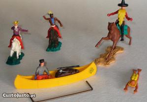 Canoa Daniel Boone da Timpo Toys e outros bonecos