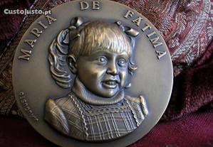 Medalha Maria de Fátima em alto relêvo