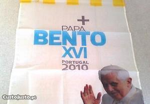 Estandarte alusivo à vinda de Bento XVI a Portugal