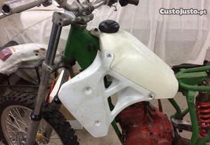 Depósito moto cross