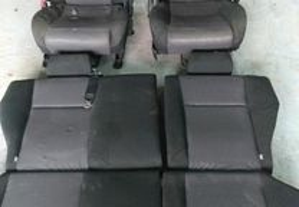 Toyota Corolla E12 - Bancos