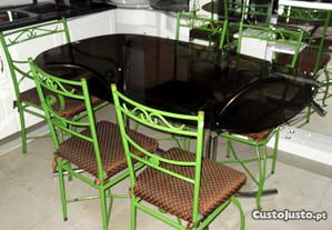 Mesa Cozinha Cadeiras e Cadeirão verdes