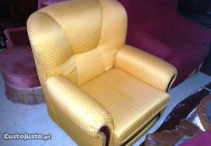 Sofás tecido amarelo